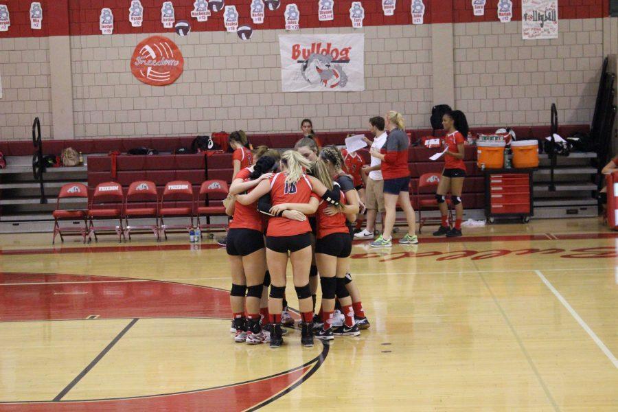 Girls' volleyball sets expectations high entering season