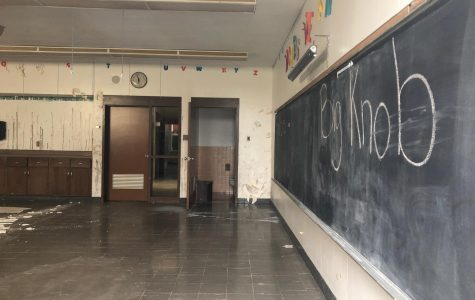 Former elementary school could face abatement, sale, demolition