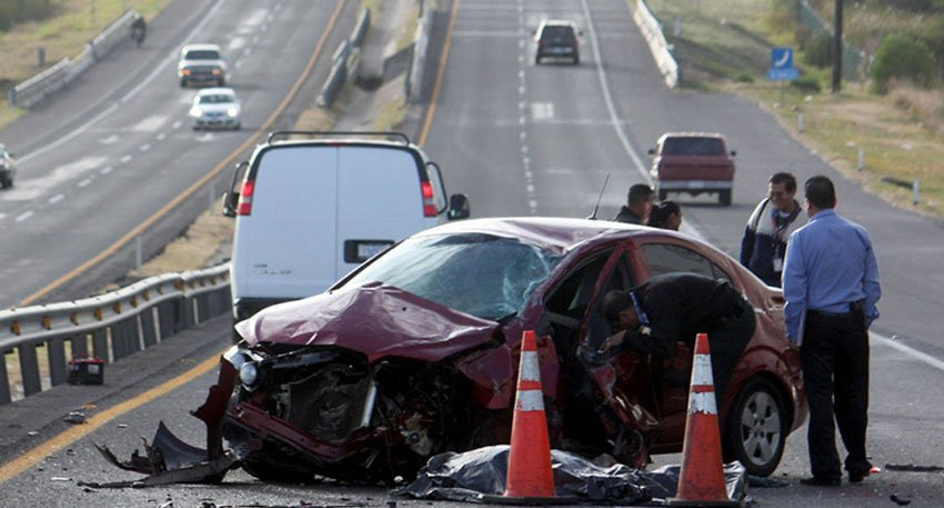 Distractions while driving can lead to life-threatening accidents like the one shown above. Do not put someone else's life at risk by getting distracted while driving.