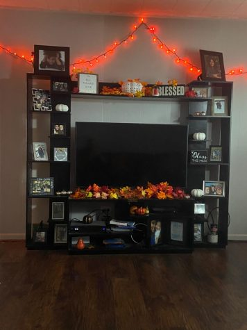 Freedom Alumni Kylie Petcovic's living room decorated to the core full of all her fall favorites and decorations.