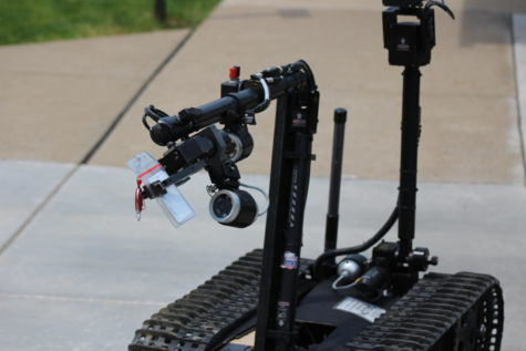 The Talon Robot steals an administrator keycard at CSI day.